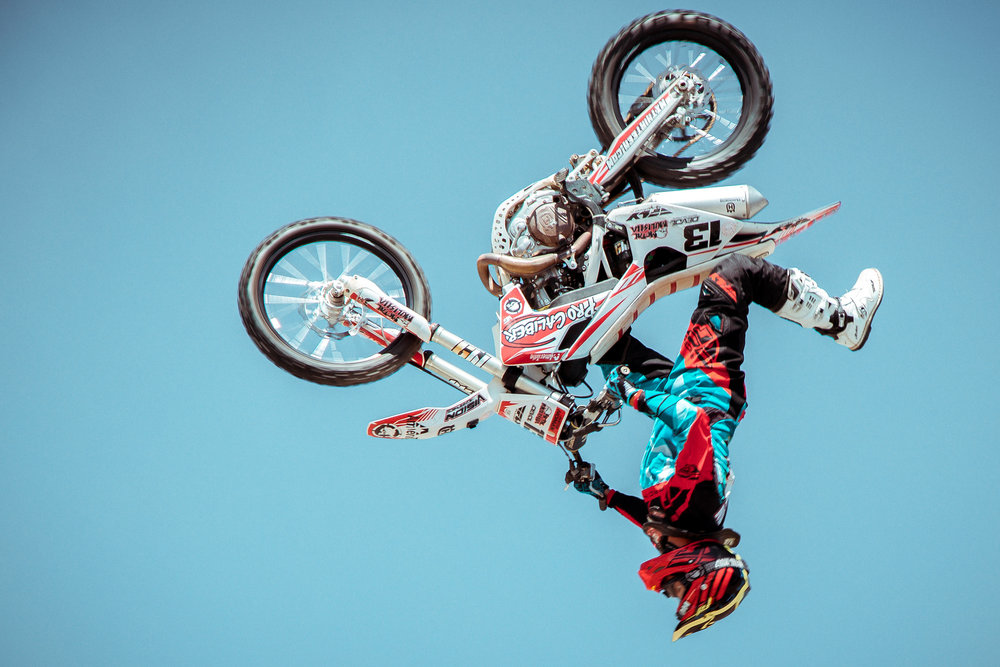 ACTION SPORTS -
