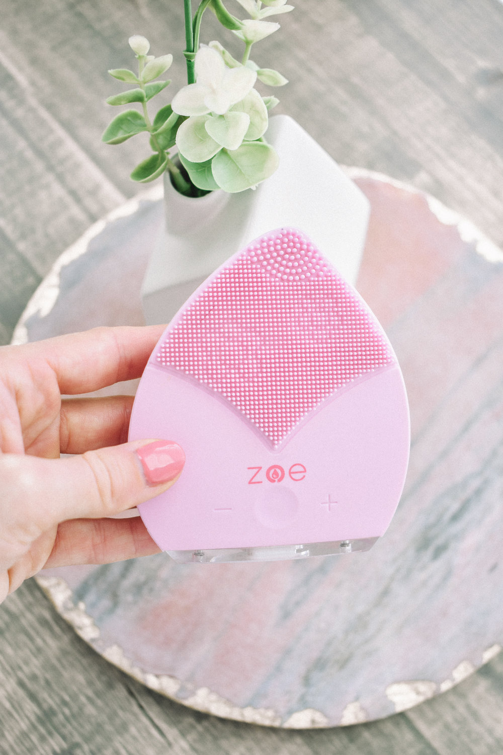 Fall Beauty Product Must Haves | Clean Beauty Blogger | Beauty Blogger | Beauty Products | Zoe | Qyksonic | Sonic Beauty Tool