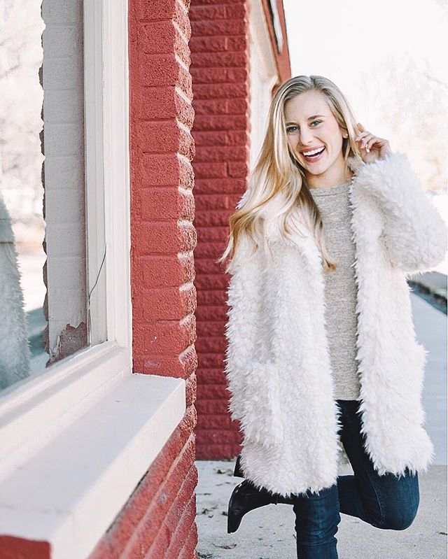 If you haven't added a super fab plush coat to your wardrobe this winter, you're reeeally missing out !  __________ @avellaboutique has me styled for the season — and you can be fab too ! This faux fur coat is under $50, and could be ALL YOURS if you win tonight's $50 gift card giveaway !  __________ Entering is simple ! 💋 Follow @avellaboutique ✨ Follow @onthepaigeblog 👯‍♀️ Tag your stylish besties ! Each friend tagged is an additional entry. Please tag on separate lines.  __________ 5 bonus entries will be issued if you repost this photo to your feed or stories! Remember to tag me and @avellaboutique in your posts! __________ Contest ends December 19th at 6:00 AM EST. Winner announced at 7:00 AM EST. Must be 18 years of age or older and live in the continental US. This giveaway is in no way endorsed or sponsored by Instagram.  __________ #boutiquefashion #styledbyme #shoplocal #petiteblogger #brightandairy #maddycorbinpresets #discoverunder10k #petitestyle #styleblogger #fashionblogger #winterfashion #sweaterweather #furcoat #fashion #instafashion