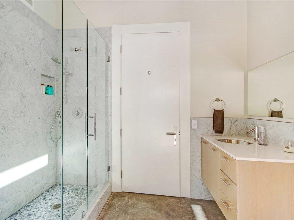 030_Guest House Bath.jpg