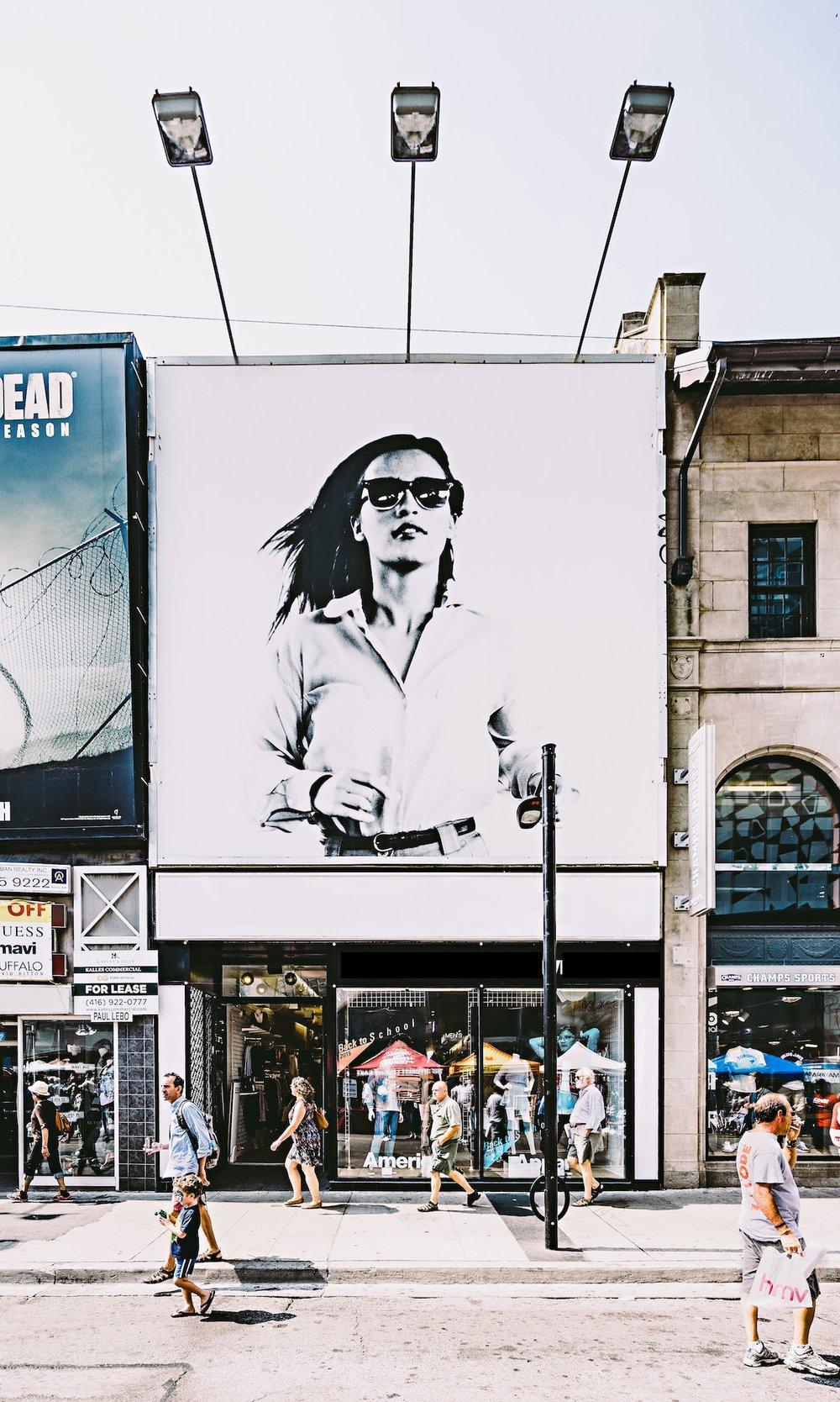 Billboards& OOH -
