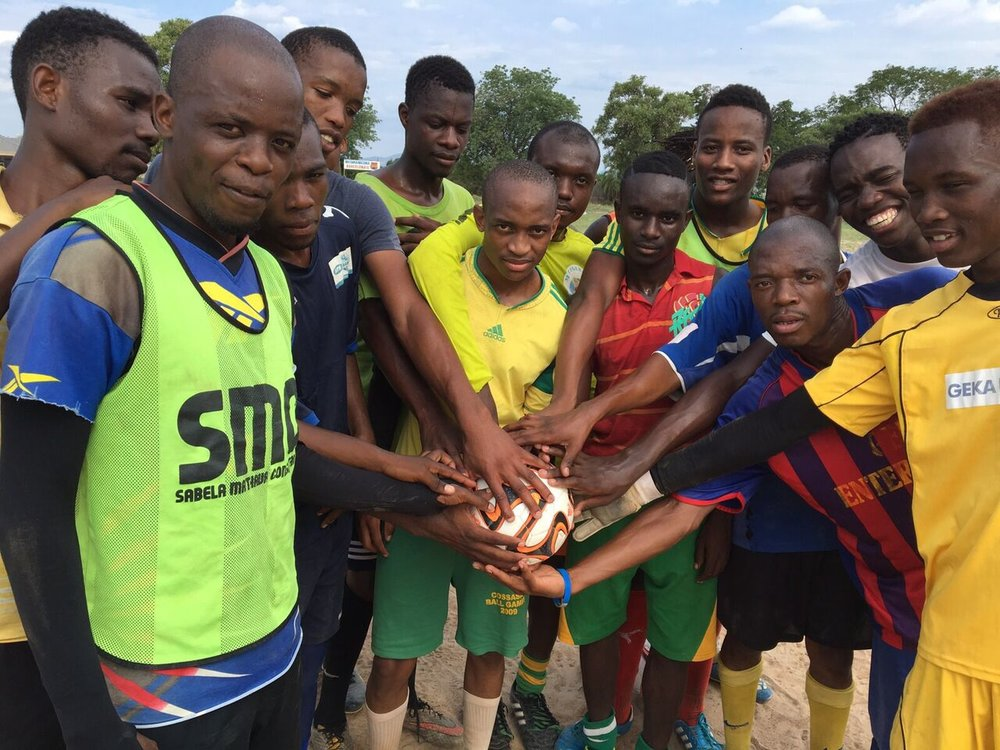 Tiyi Shipalane visits Limpopo to train with local footballers and deliver balls from 'Charity Ball'