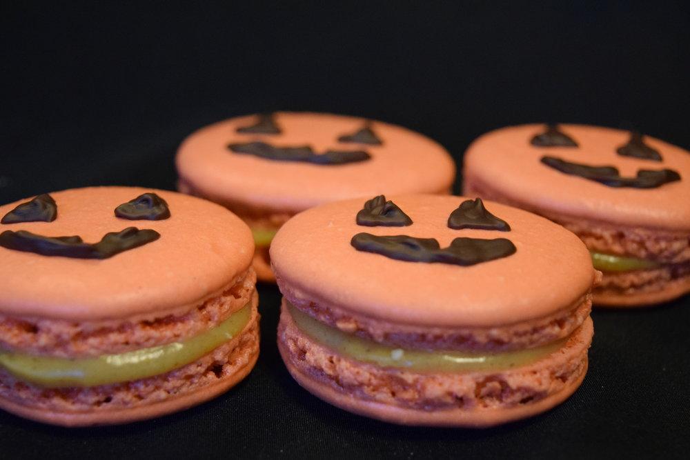 Pumpkin patch - white chocolate pumpkin ganache - two per box - 20mg THC each