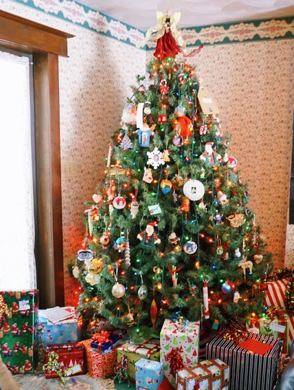 christmas-tree-mikes.jpg
