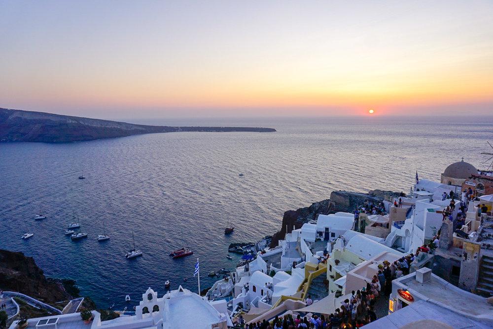 santorini-sunsets-restaurant-oia