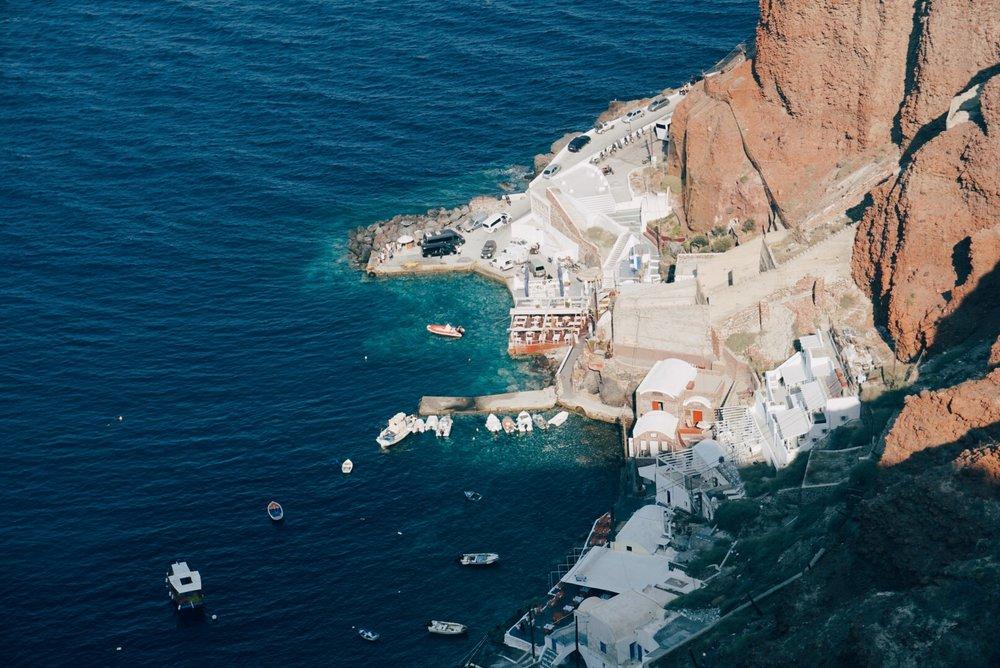 santorini-ammoudi-bay-port