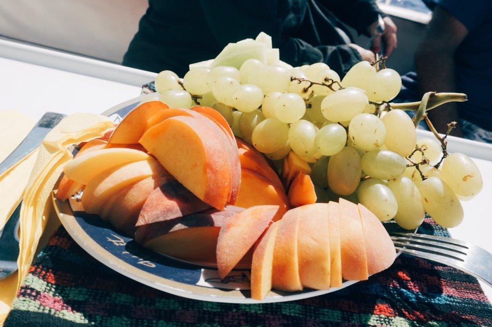 barbarossa-sailing-fruit-platter