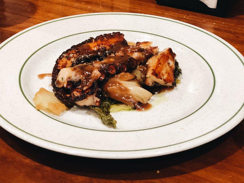 La Cucha de San Telmo's pulpo octopus