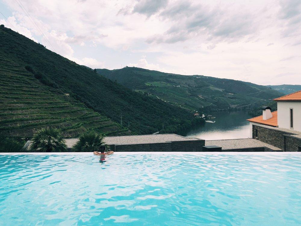 infinity pool views at Quinta do Pego
