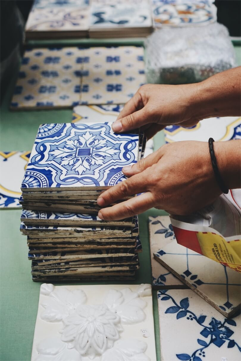 Azulejo tiles at Clerigo market
