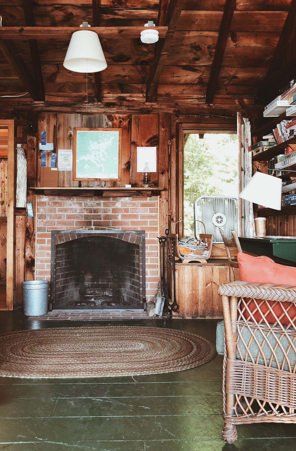 Ark cabin Rockywold-Deephaven