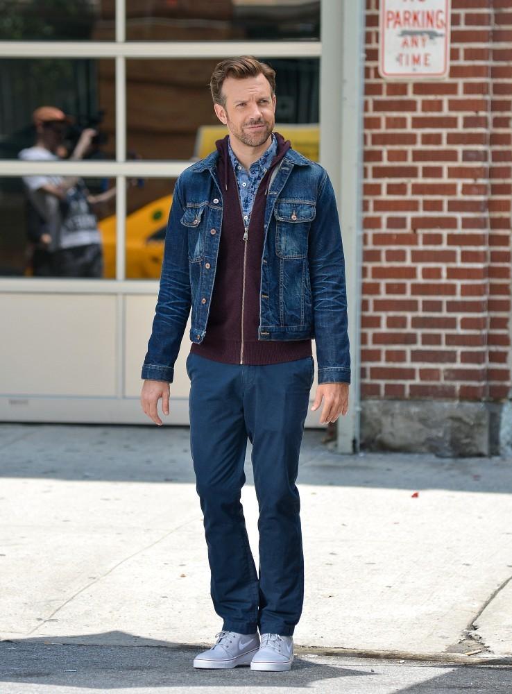 Jason+Sudeikis+Outerwear+Denim+Jacket+77uZqsu9lRWx.jpg