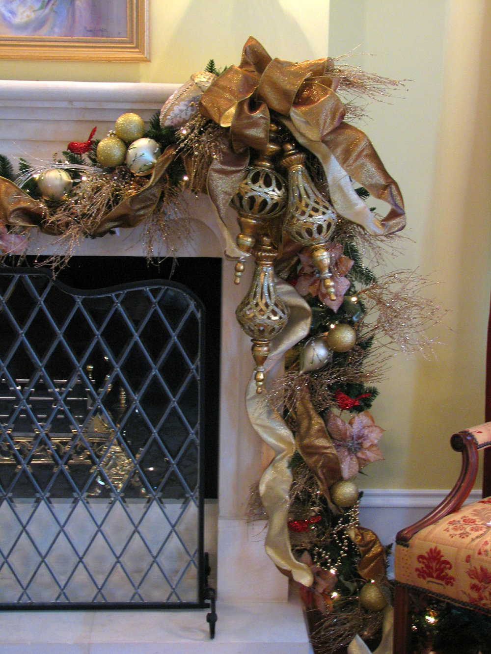 glitter and glow christmas fireplace garland.JPG