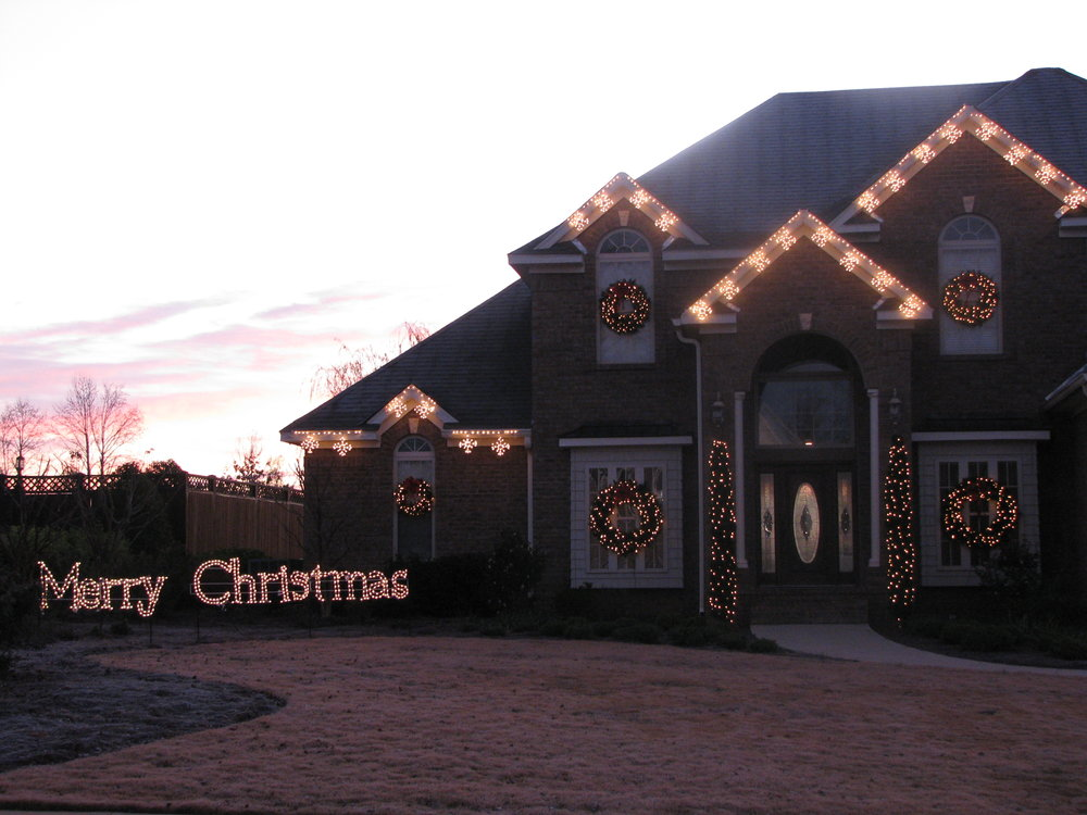 glitter and glow chrismas decor residential exterior (13).JPG