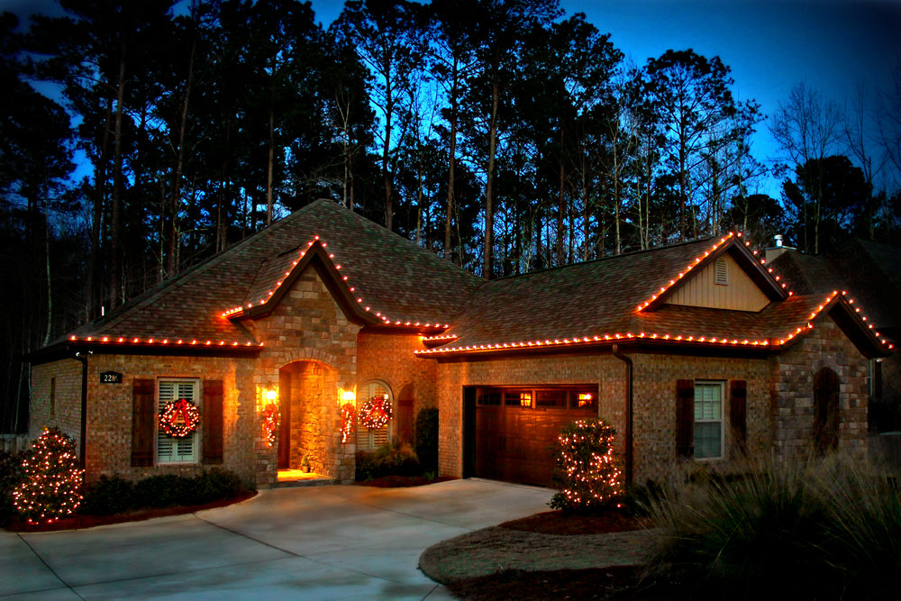glitter and glow chrismas decor residential exterior (12).jpg
