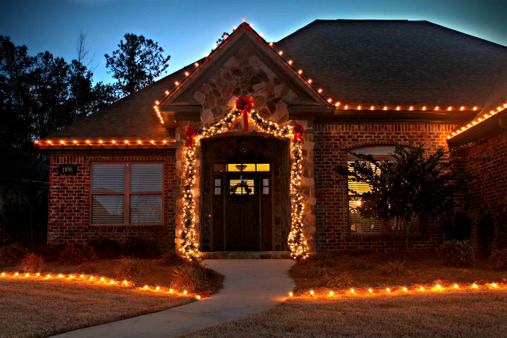glitter and glow chrismas decor residential exterior (17).jpg