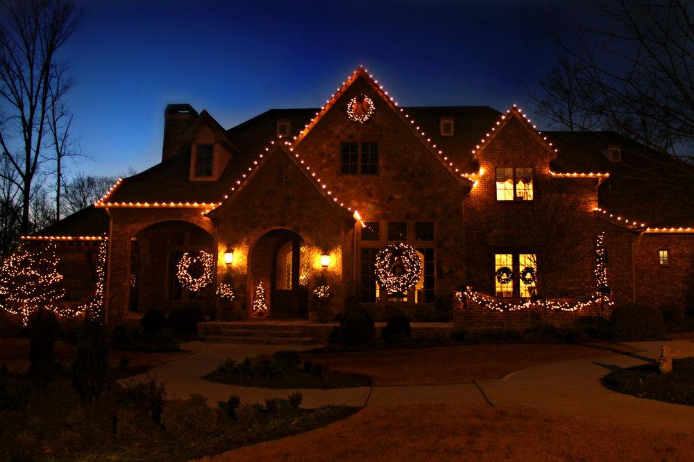glitter and glow chrismas decor residential exterior (19).jpg