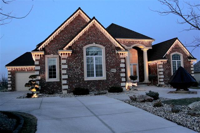 glitter and glow chrismas decor residential exterior (30).JPG
