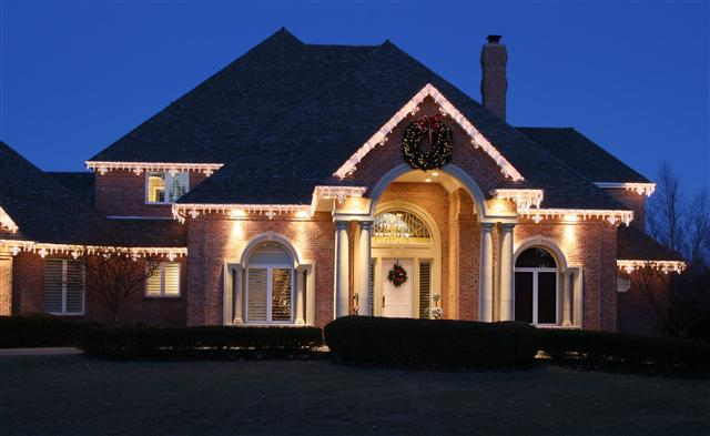 glitter and glow chrismas decor residential exterior (31).jpg