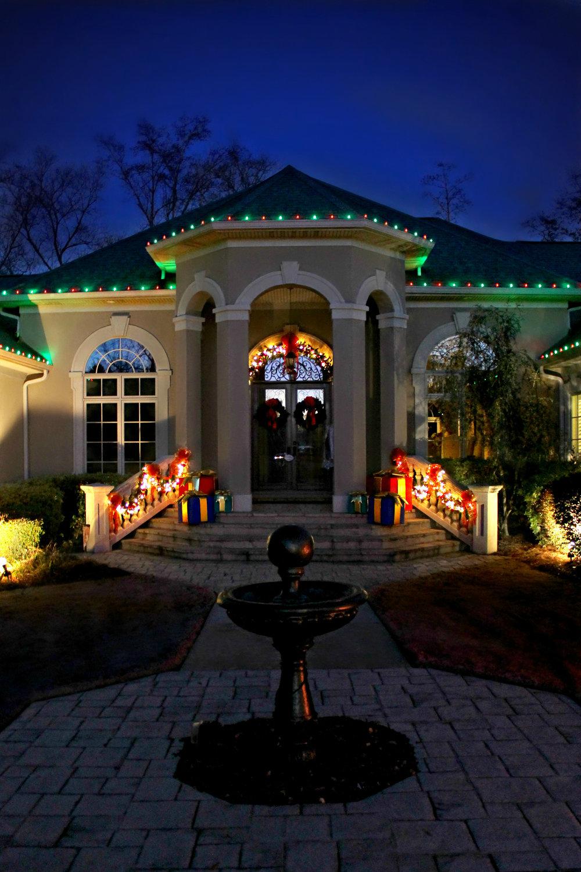 glitter and glow chrismas decor residential exterior (33).jpg