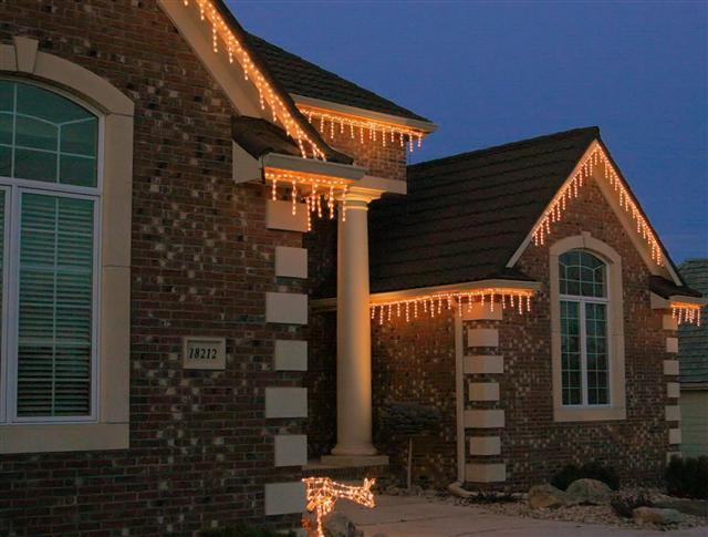 glitter and glow chrismas decor residential exterior (39).jpg
