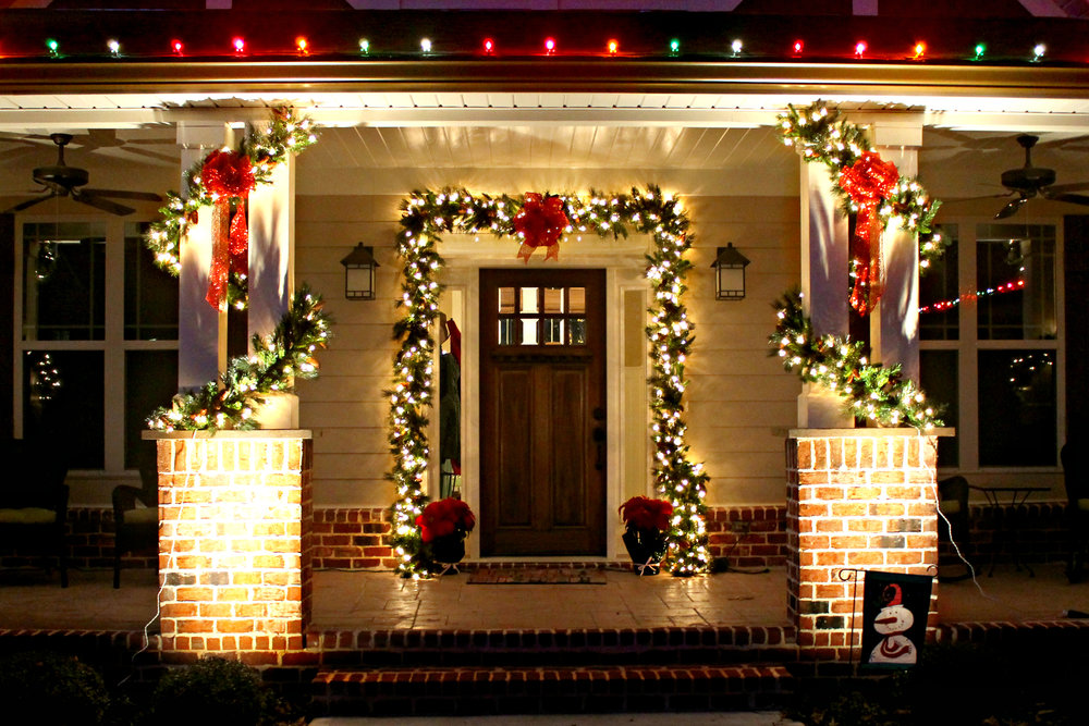 glitter and glow christmas porch lighting decorations.jpg