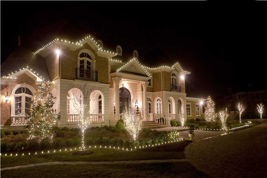 glitter and glow chrismas decor residential exterior (15).jpg