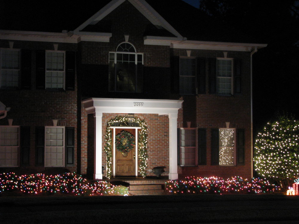 glitter and glow chrismas decor residential exterior (5).JPG