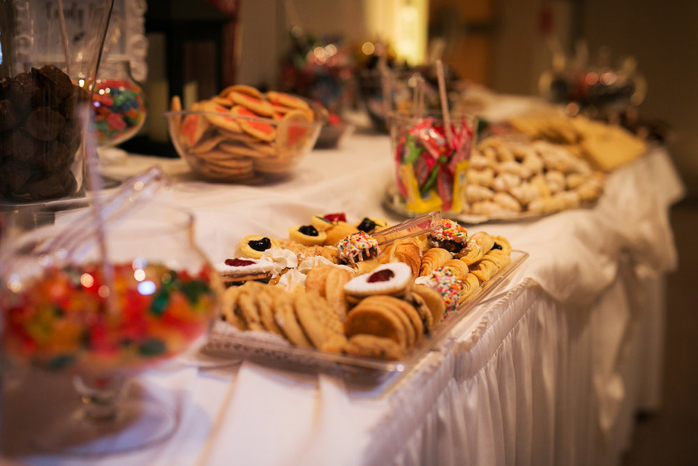 pittsburgh cookie table with candy