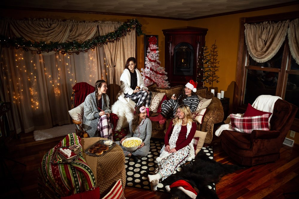 2019 VIP Representatives Christmas Party Group Pajama Photoshoot. Cinnamon Roll. Popcorn, hot Cocoa treats. Candid smiles