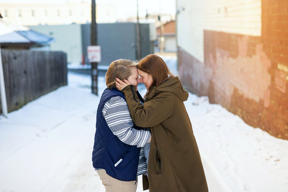 winter alleyway kiss