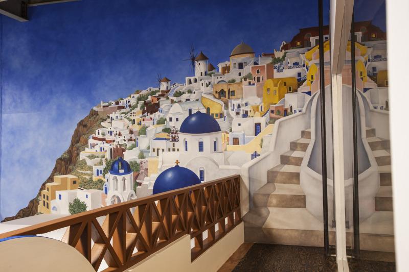 Santorini_gallery.jpg