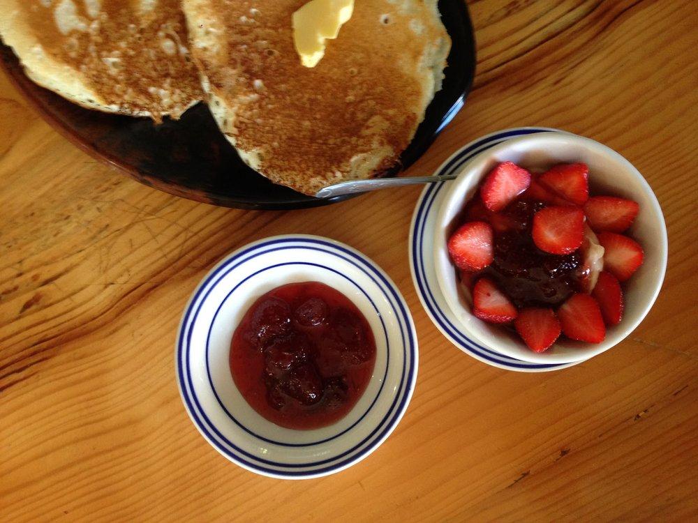 Strawberry Cafe breakfast