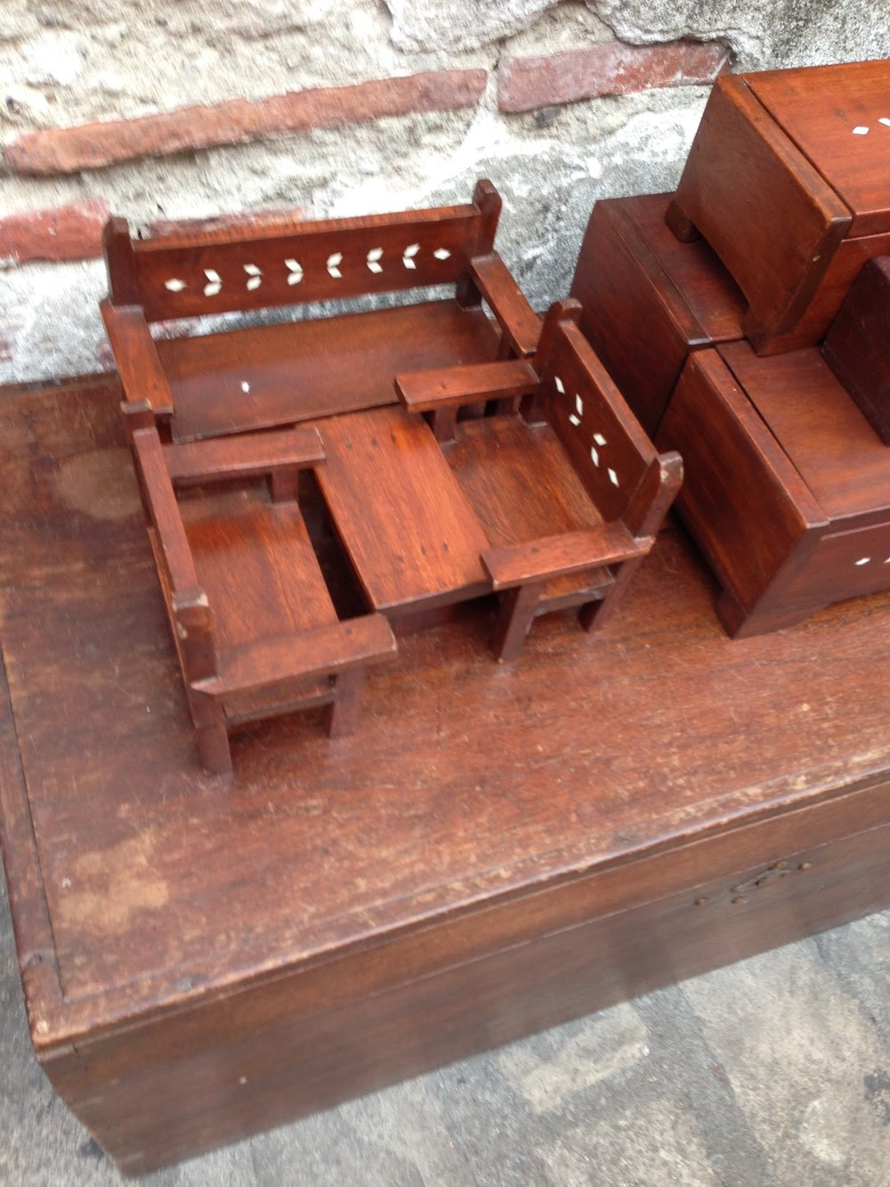 Vigan mini-furniture