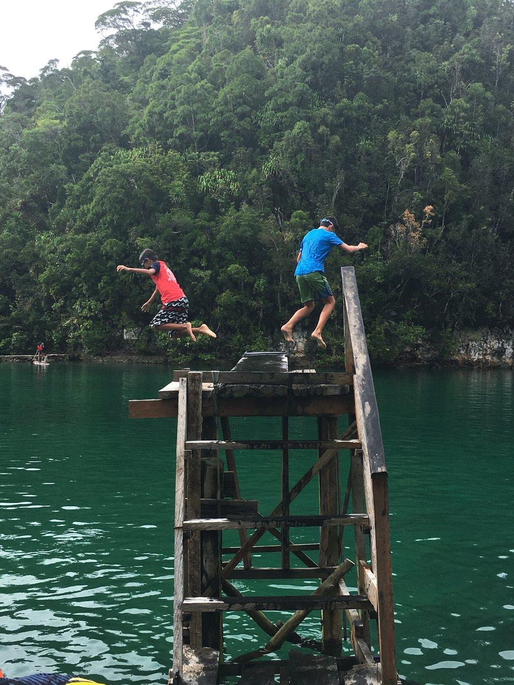 The diving board at Sugba Lagoon