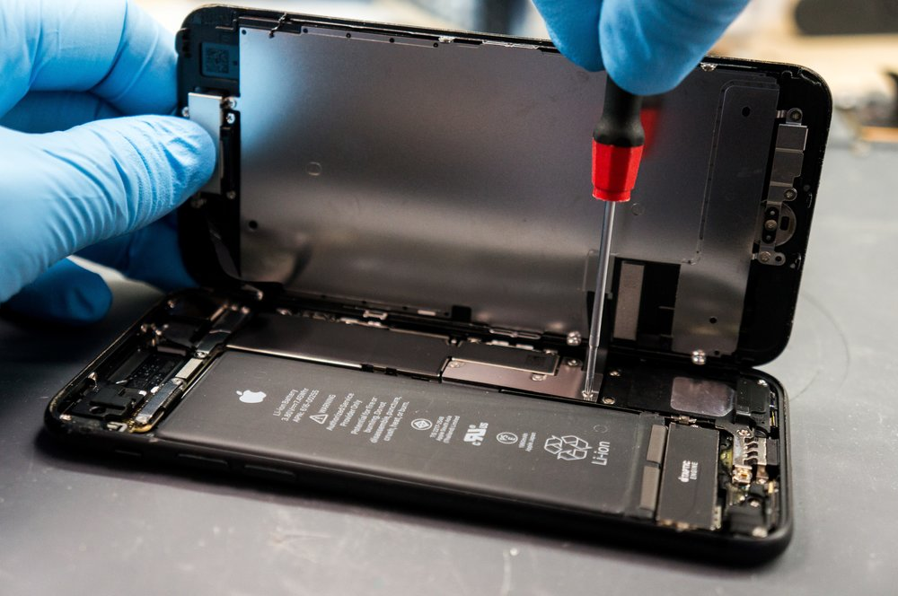 Students receive a free installed tempered glass screen protector with any screen repair - Need an android, tablet, or laptop repaired? Do you need a charging port repair, camera repair, or something else? Send a message for a quote!