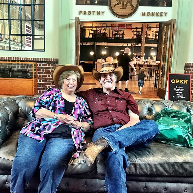 Such a pleasure to meet these lovebirds, Mr. & Mrs. Hatfield, taking a break for a spell in the #choochoo lobby while enjoying their #honeymoon in #chattanooga ❤️🚂 #loveisintheair #truelove #onthesouthside #theonlytennisee #loveknowsnoage #homesweettn