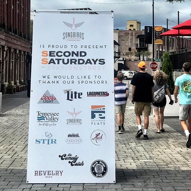 Second Saturdays #onstationstreet is happening 2pm - 7pm with #live #bluegrass music!Come on down and celebrate with us during this #familyfriendly event #onthesouthside #chattanooga Meet you under the #songbirdsguitarmuseum  sign! #choochoo 🚂🎸🎉🎶🙌🏻