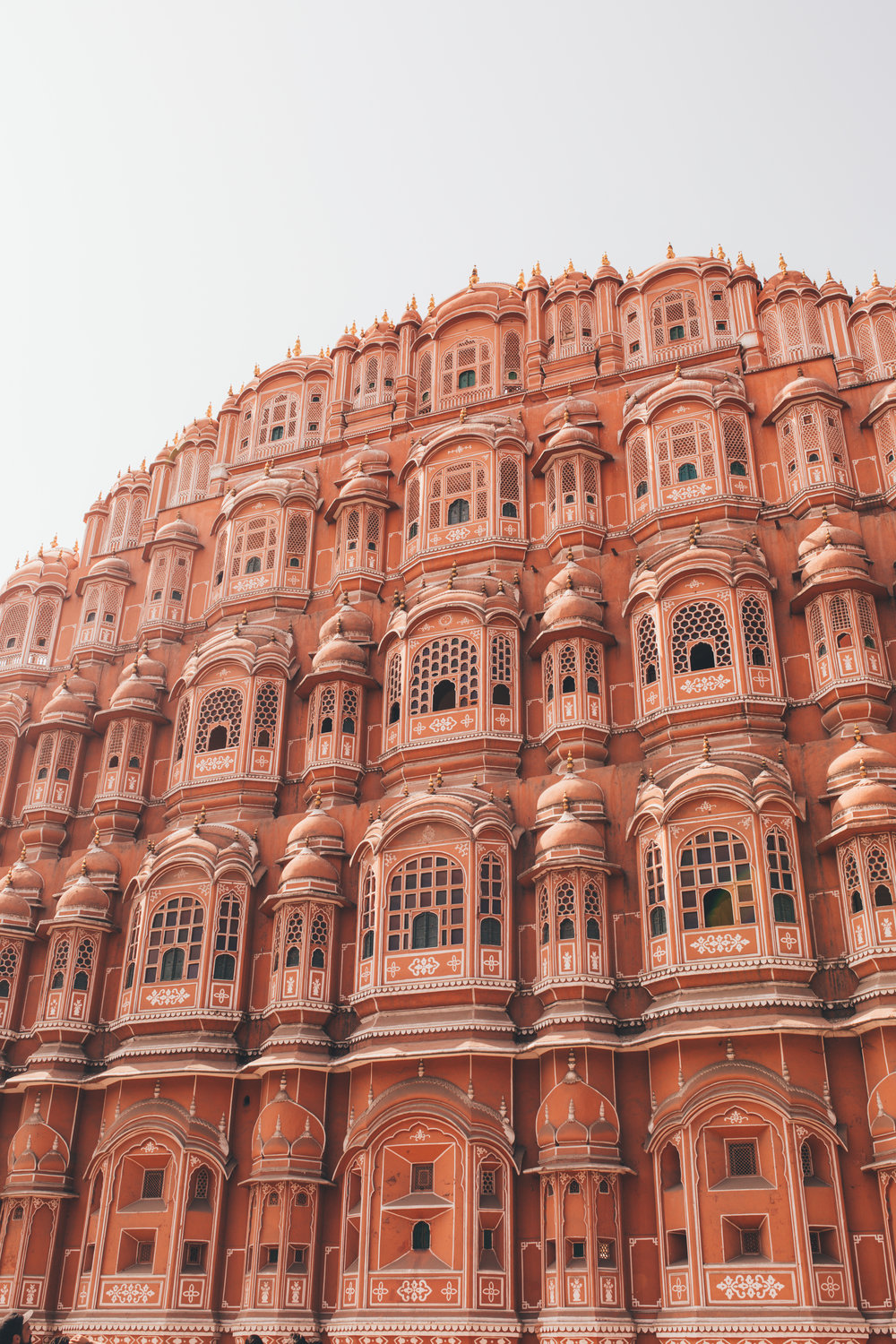 Catch Hawa Mahal, Jaipur's Must-see Cultural Monument