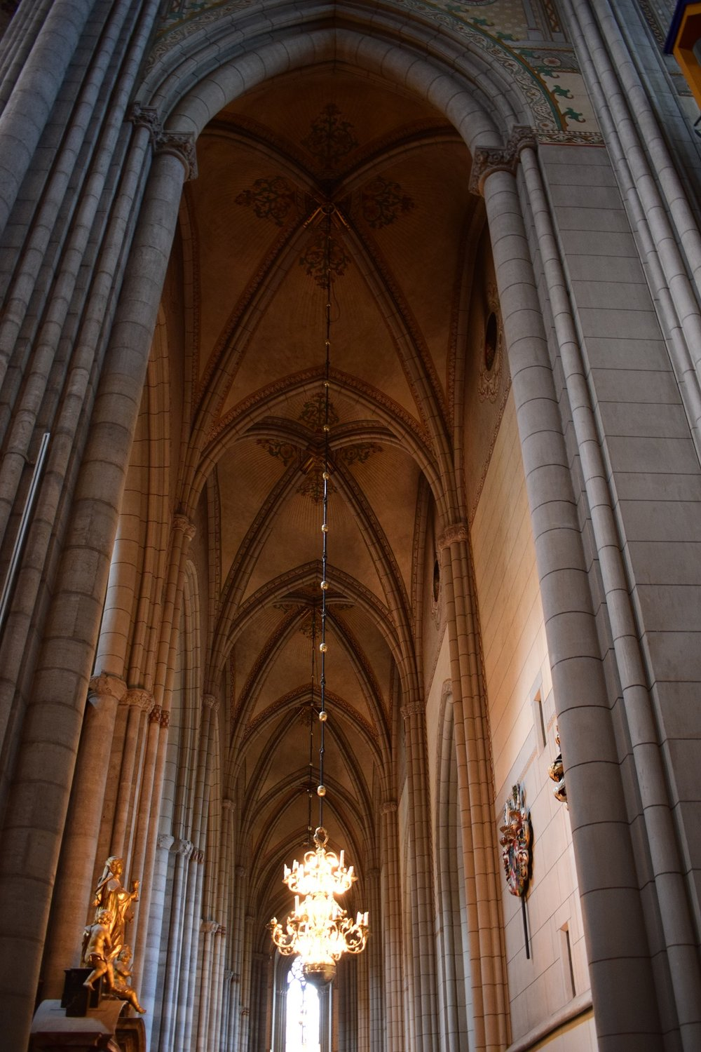 the aisle / side nave