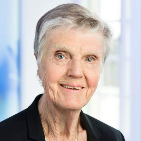 Liberalerna (Liberals) were represented by Barbro Westerholm, the oldest member of Riksdag. She used to be the general director of the Swedish National Board of Health and Welfare and in 1979 thanks to her homosexuality was crossed out from the list of mental health diseases. Westerholm is constantly engaged in increasing true equality in Sweden; source: https://www.liberalerna.se/barbro-westerholm/
