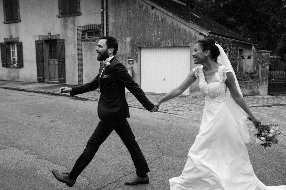 mariage champetre au Domaine des Evis La Femme Gribouillage (71).jpg