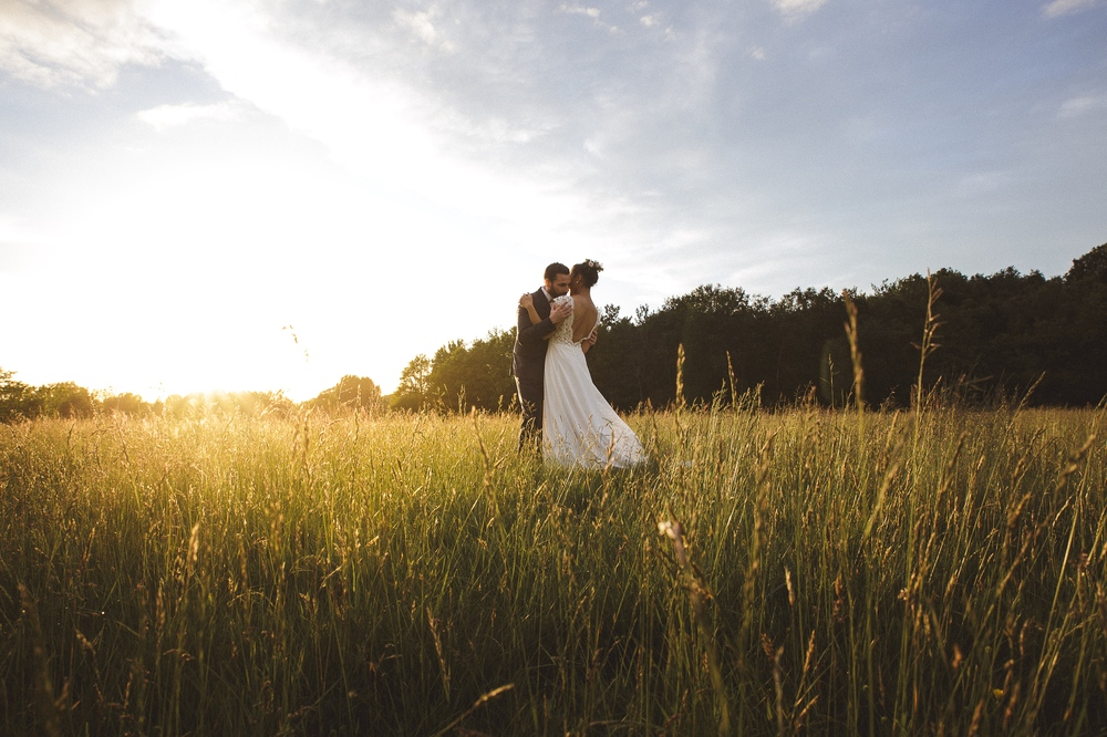 mariage champetre au Domaine des Evis La Femme Gribouillage (83).jpg