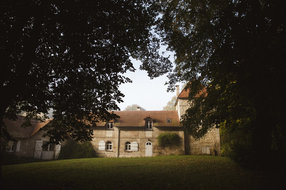 01-La Femme Gribouillage-Abbaye de Longpont photographe de mariage (5).jpg