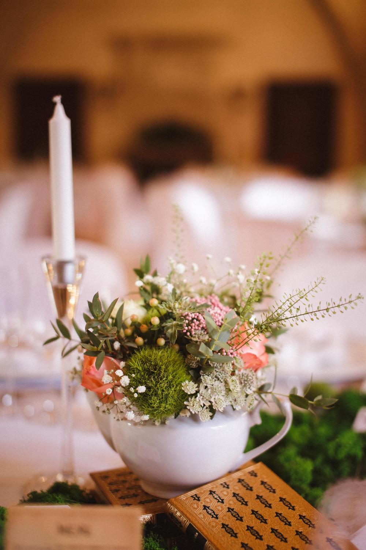 06-La Femme Gribouillage mariage Alice au Pays des Merveilles Abbaye de Longpont photographe paris oise aisne ile de france bordeaux lyon (1).jpg