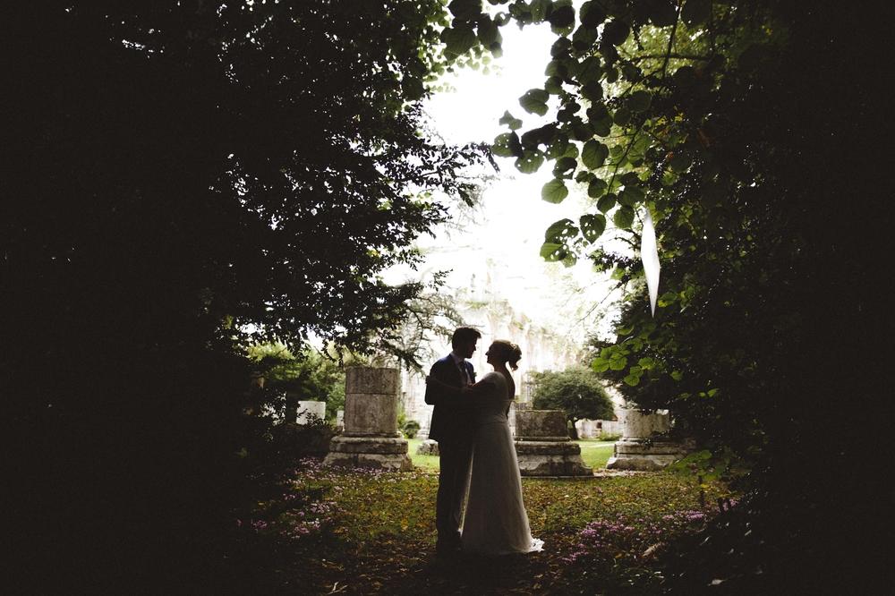 06-mariage-en-photo-longpont-abbaye (19).jpg