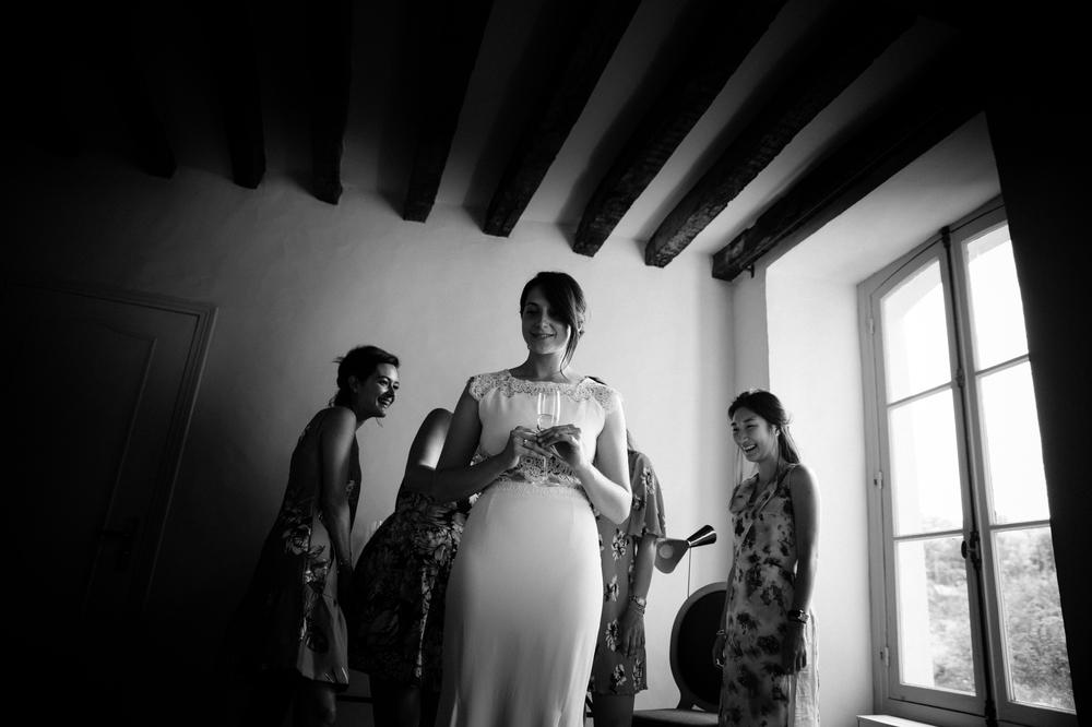 01-la-femme-gribouillage-commanderie-dormelles-ceremonie-laique (8).jpg