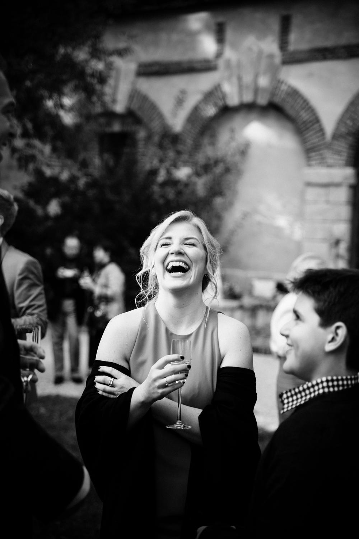 03-la-femme-gribouillage-commanderie-dormelles-photographe-mariage-bordeaux (9).jpg