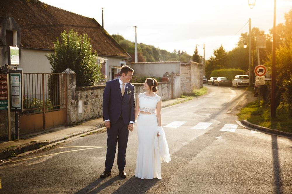 03-la-femme-gribouillage-commanderie-dormelles-photographe-mariage-bordeaux (23).jpg