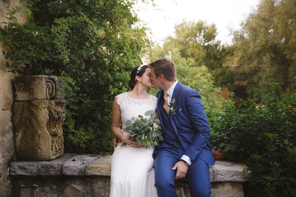 03-la-femme-gribouillage-commanderie-dormelles-photographe-mariage-bordeaux (26).jpg